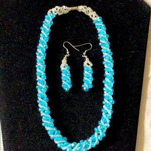 """Beaded blue/silvertone necklace & earrings set 16"""""""